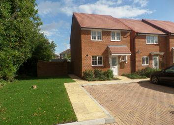 Thumbnail 3 bed detached house to rent in Windrush Close, Havant