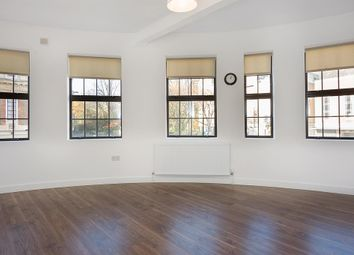Thumbnail 2 bedroom flat to rent in Kingsway Parade, Albion Road, London