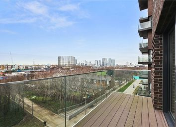 Thumbnail Flat to rent in East Parkside, London