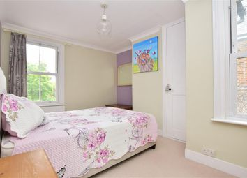 Thumbnail 1 bedroom flat for sale in West Street, Billingshurst, West Sussex