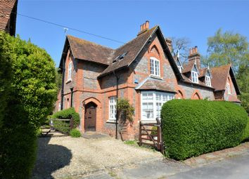 Thumbnail 3 bed cottage for sale in Church Close, East Hagbourne, Didcot