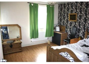 Thumbnail 4 bed shared accommodation to rent in Victorian Grove, London