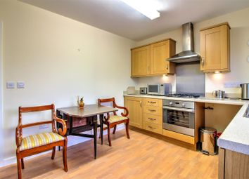 Thumbnail 2 bed bungalow for sale in Kingsgate, Market Deeping, Peterborough