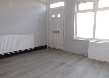 Thumbnail 2 bed property to rent in Stanley Street, Luton