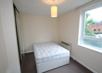 Thumbnail Studio to rent in Altyre Road, Croydon