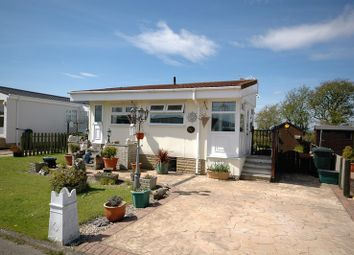 Thumbnail 2 bed mobile/park home for sale in Flamingo Land Residential Park, Malton, North Yorkshire