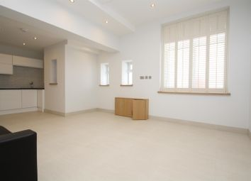 Thumbnail 3 bedroom flat to rent in Green Lanes, Harringey, London