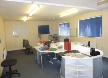 Thumbnail Warehouse to let in Great Northern Terrace, Lincoln