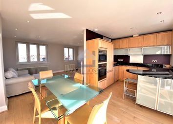 Radipole Road, Fulham SW6. 2 bed flat for sale