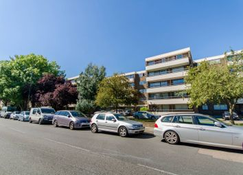 Thumbnail 3 bedroom flat to rent in Station Road, Barnet