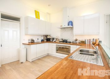 Thumbnail 2 bed flat to rent in Camden Hill, Tunbridge Wells