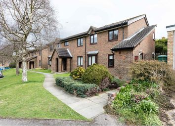 Thumbnail 2 bed flat to rent in Park View Road, Redhill