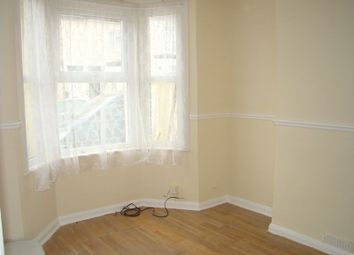 Thumbnail Room to rent in Baden Road, Gillingham