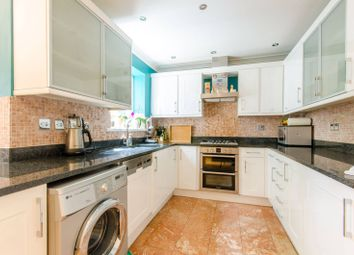 Thumbnail 6 bed property for sale in Barber Close, Winchmore Hill