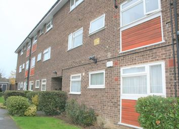 Thumbnail 2 bed flat to rent in Manor Road, Gidea Park, Romford