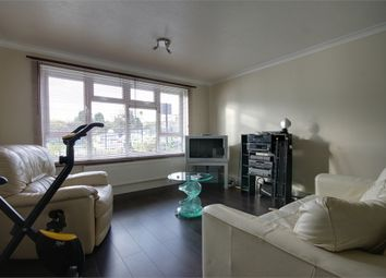 Thumbnail 2 bedroom flat to rent in Radbourne Crescent, London