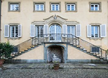 Thumbnail 11 bed town house for sale in Lucca Lucca, Italy