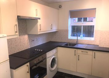 2 bed maisonette to rent in Cobbett Road, Southampton SO18