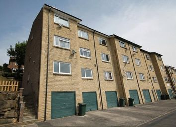 2 bed flat to rent in Beech Court, Southcliffe Drive, Baildon, Shipley BD17