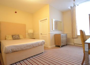 Thumbnail 1 bedroom property to rent in Oxford Road, Tilehurst, Reading