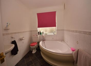 Thumbnail 3 bed flat to rent in Bostall Lane, Bostall Lane
