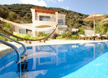 Thumbnail 2 bed villa for sale in Agios Nikolaos, Lasithi, Gr