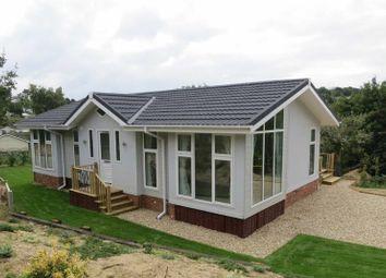 Thumbnail 2 bed mobile/park home for sale in Sunrise Avenue, Killarney Park, Nottinghamshire