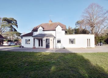Thumbnail 5 bedroom detached house to rent in Norwood Lane, Iver