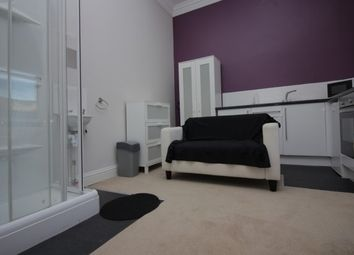 Thumbnail Property to rent in Balmoral Place, Halifax