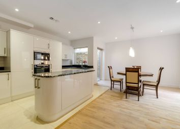 Thumbnail 2 bedroom property to rent in Tredegar Square, Bow