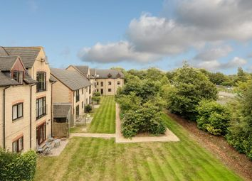 Thumbnail 2 bedroom flat to rent in Lakeside, Witney