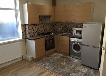 Thumbnail 2 bed flat to rent in Bell Grove Mansions, Hounslow