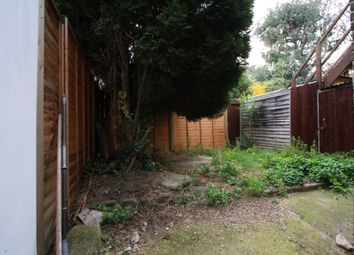 Thumbnail 1 bed flat to rent in Broughton Road, Fulham