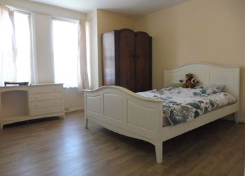 Thumbnail 2 bedroom flat to rent in High Road, Southampton