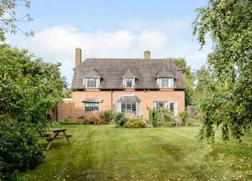 Thumbnail 4 bedroom detached house for sale in Walkwood Rise, Beaconsfield
