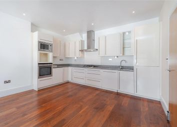 3 bed flat to rent in Buckland Crescent, London NW3