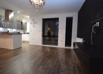 Thumbnail 2 bed flat to rent in Willow Road, Chigwell