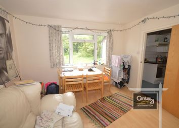4 bed semi-detached house to rent in Harrison Road, Southampton SO17