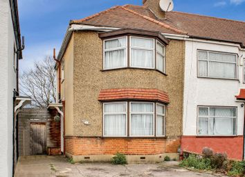 3 bed property for sale in Norfolk Close, London N13