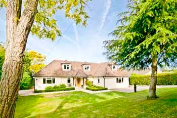 Thumbnail 6 bed detached house to rent in Chesil Bank, Goring On Thames