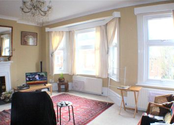Thumbnail 3 bed flat to rent in Temple Road, Croydon