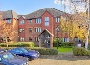 Thumbnail 2 bed flat to rent in The Maples, St Albans, Hertfordshire