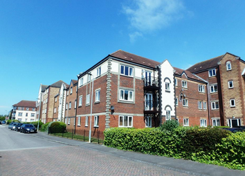 2 bed flat to rent in Plimsoll Way, Victoria Dock HU9