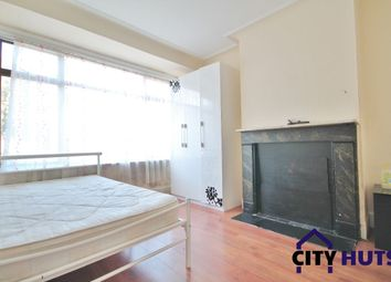 Thumbnail 4 bed terraced house to rent in Dowsett Road, London