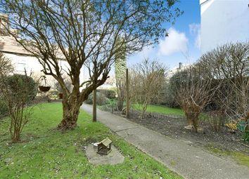 2 bed flat for sale in South Terrace, Littlehampton, West Sussex BN17