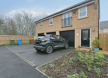 Thumbnail 2 bedroom flat for sale in Broad Avenue, Hessle