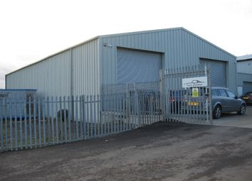 Warehouse to let in Askew Farm Lane, Grays RM17