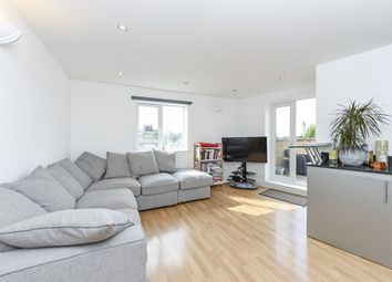 Thumbnail 1 bedroom flat for sale in Lavender Hill, London