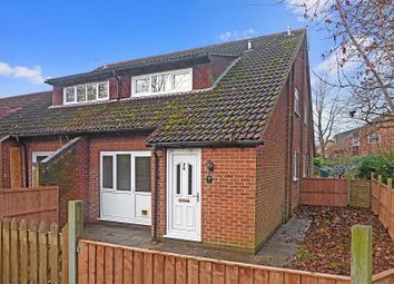 2 bed property to rent in Hambleside, Bicester OX26