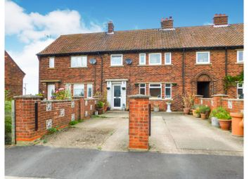 Thumbnail 4 bed terraced house for sale in North Carr Lane, Brigg